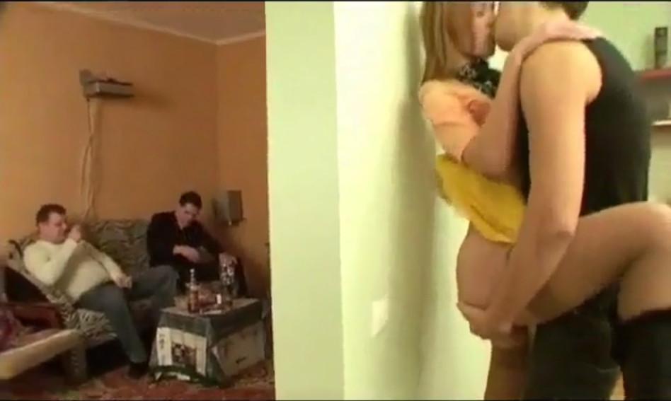 Просмотр жесткого секса по пьяне — 3